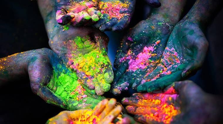 Holi 2018, Holi Puja Vidhi, Holi Puja Samagri, Holi Holika Dahan Timings in India, Holi celebrations, Holi prayers, holi photos, Holi Shastric Puja Vidhi, indian express, indian express news
