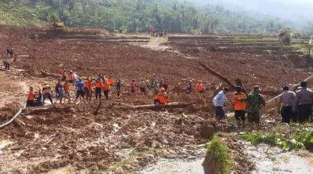 Indonesia landslide: 7 dead, rain hampers searchoperation
