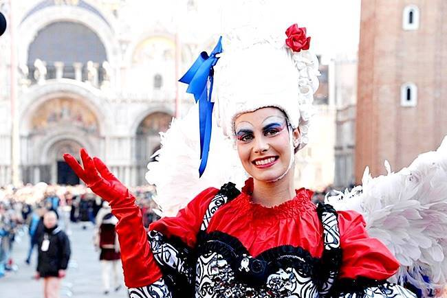 Venice Carnival, Venice carnival pictures, Venice carnival 2018, Italy Venice carnival, Italy Venice carnival 2018, Italy Venice carnival best pictures, carnival pictures around the world, Indian express, Indian express news, Italy, Italy tourism