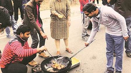For 'pakoda protest', four from JNU fined Rs 20,000 each
