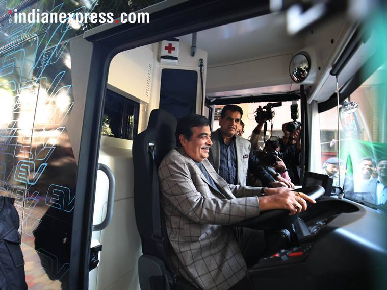 Gadkari inaugurates electronic vehicle charging points, Electronic vehicles, India electric cars, India ev charing points,