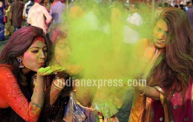 holi, holi photos, holi celebrations, holi in india, holi part, holi pics, indian express, indian express news