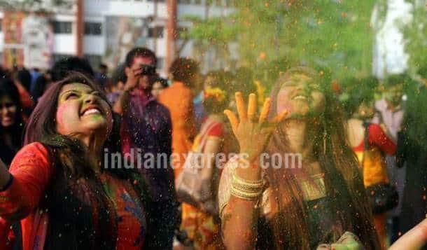 holi, holi photos, holi celebrations, holi in india, holi part, holi pics, indian express, indian express news