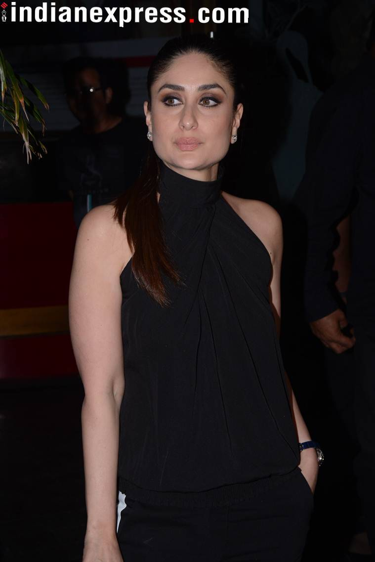 kareena kapoor poses for the paparazzi