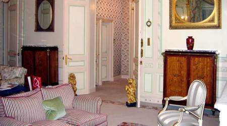 Paris's glitzy Ritz hotel to auction 10,000 pieces of art, furniture