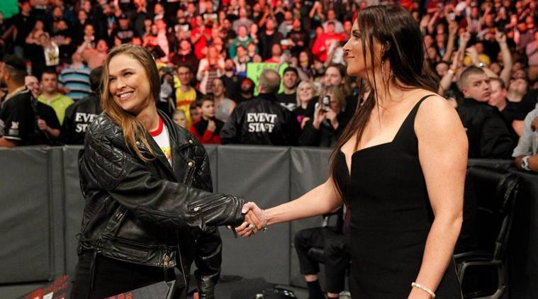 Ronda Rousey to sign contract with WWE RAW.