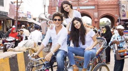 Zero: Shah Rukh Khan, Katrina Kaif and Anushka Sharma enjoy a cycle rickshaw ride