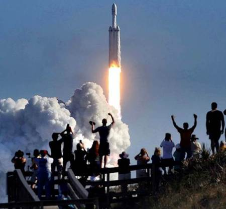 spacex rocket launch, elon musk, kennedy research center, spacex falcon rocket, Falcon Heavy, Spacex launch, falcon heavy launch, Tech news, falcon heavy launch pictures