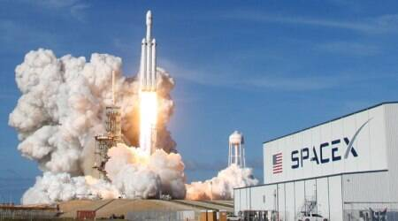 SpaceX's Falcon Heavy rocket soars in debut test launch, put sports car inorbit