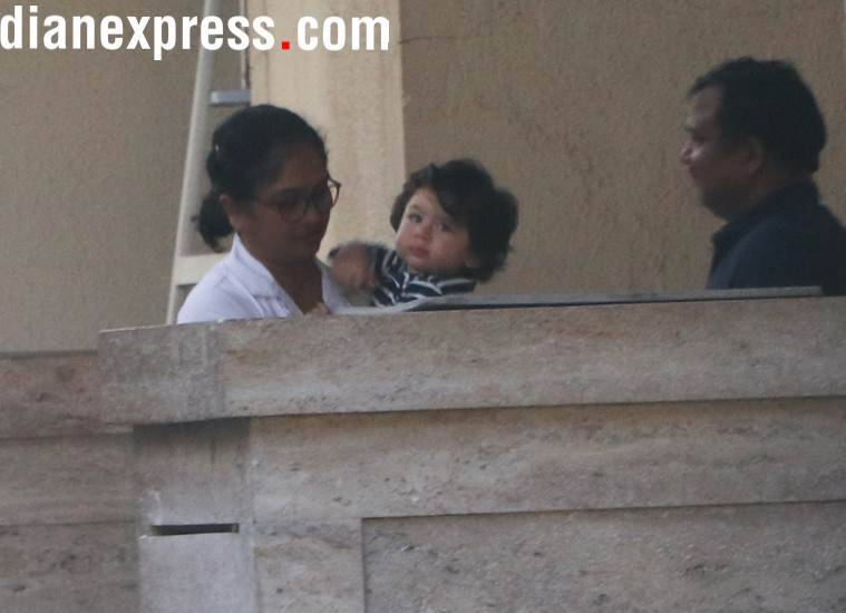 Taimur Ali Khan brings his auto to Amrita Arora's house