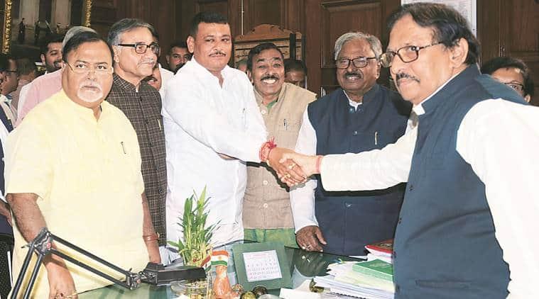 Trinamool Congress, Congress, Left unite against Centre over railway
