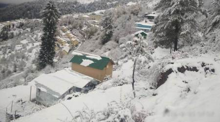 Snowfall in Chamoli, Delhi wakes up to pleasant morning