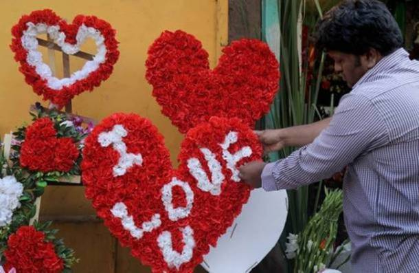 Valentines day images, Valentines day pics, Valentines day, Valentines day celebrations, Valentines day celebrations images, february 14, indian express