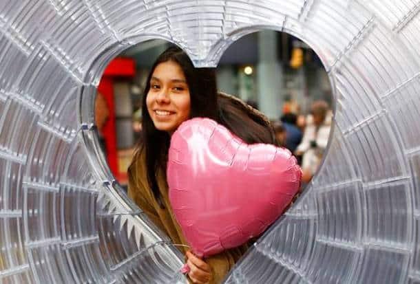 Valentine's Day 2018, Valentine's Day 2018 celebrations, Valentine's Day 2018 couple celebrations, Valentine's Day 2018 photos, Valentine's Day 2018 cadbury event, Valentine's Day 2018 romantic photos
