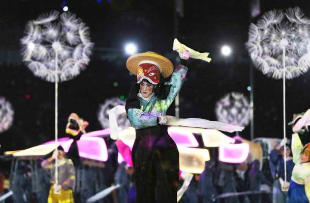 Winter Olympics Closing Ceremony: Dancing lights, artists make for visual spectacle