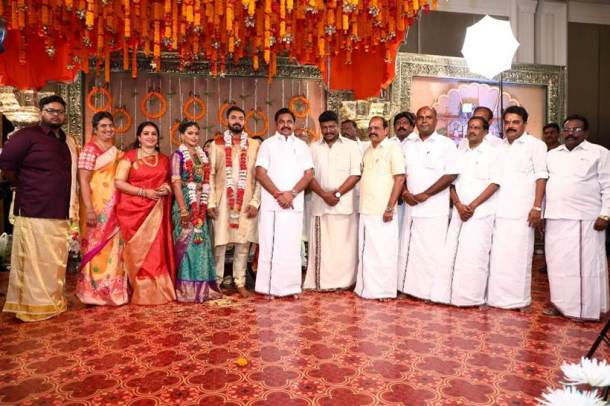 Keerthana Akshay wedding photos