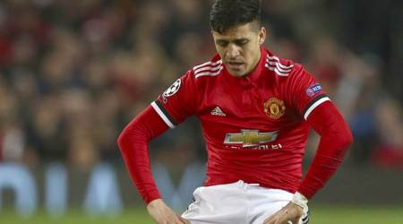 Alexis Sanchez misses start of Manchester United's US tour over visa problem