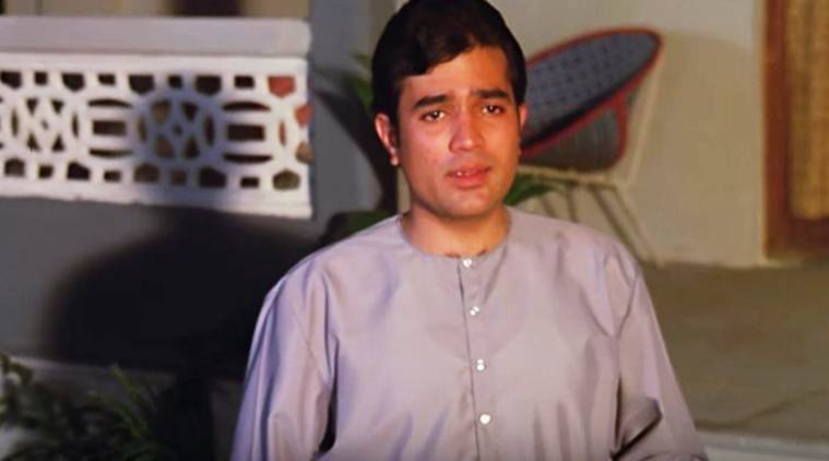Rajesh Khanna in Hrishikesh Mukherjeeu0027s Anand  sc 1 st  The Indian Express & 47 years of Anand: How u0027Kahin Door Jabu0027 defines the Hrishikesh ...