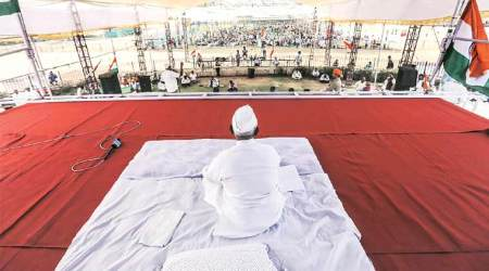Farmers, Ponzi victims: Everyone has a cause at Anna Hazare sit-in