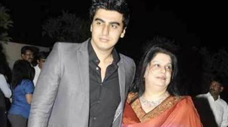 Arjun Kapoor writes an emotional post on mother Mona Kapoor's death anniversary