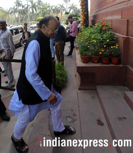 Parliament logajam enters 15th day
