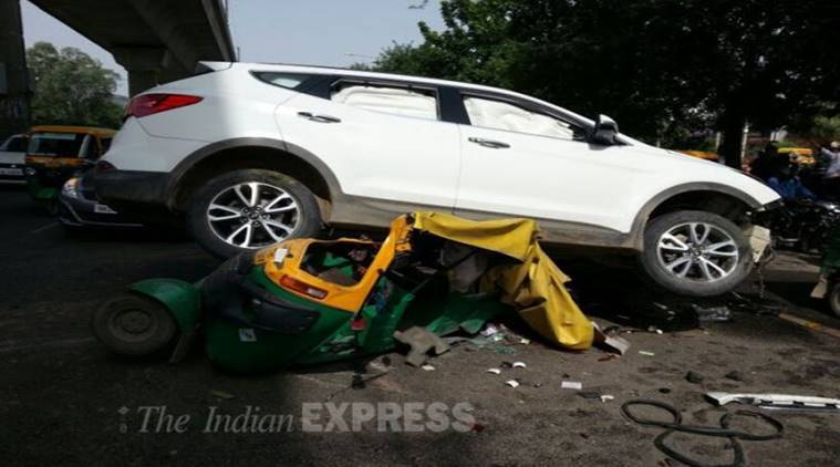 Delhi: Minor 'mows down' auto driver at Tolstoy Marg