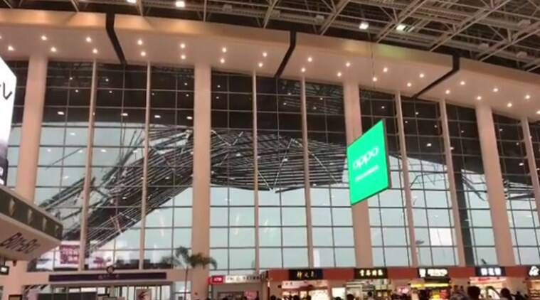 China roof fall, wind making roof fall in china, china wind rips off roof in china, China airport roof fall, viral video china, Indian express, indian express news