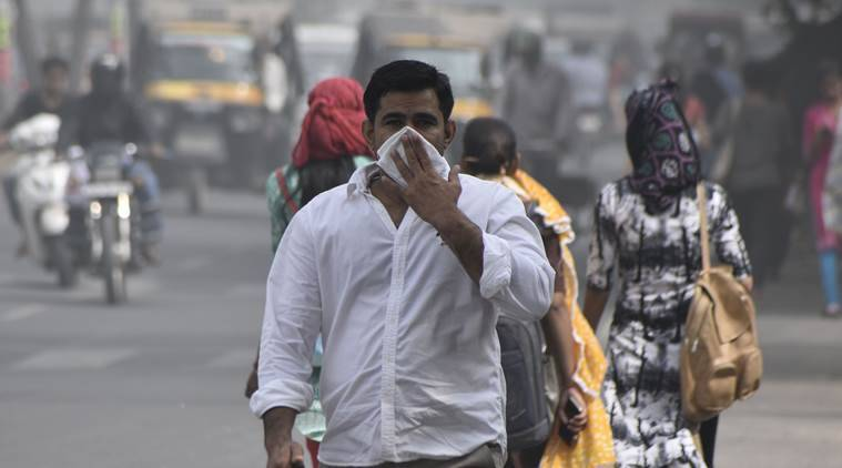 IITs find out: Lung cancer risk high for people near Delhi roads