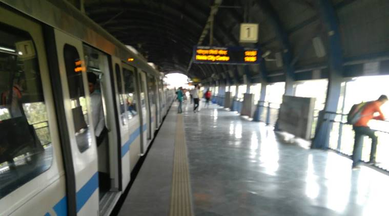 Snag hits Delhi Metro's Blue line, services disrupted