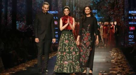 Diana Penty takes a stroll on the ramp