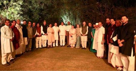 Opposition leaders come together for  dinner at Sonia Gandhi's home, say it's a good sign