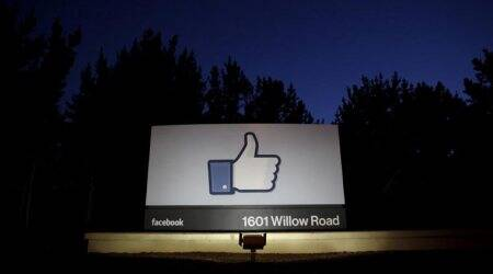 Facebook, Facebook privacy, Facebook Cambridge Analytica, Facebook data leaks, Mark Zuckerberg, Steve Jobs, Steve Jobs on Privacy, Apple privacy