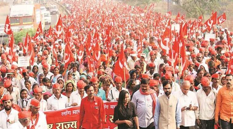 Aaditya Thackeray meets All India Kisan Sabha protesters