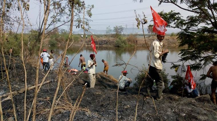 Over 30,000 farmers march towards Mumbai to protest against agrarian distress, plan to encircle assembly tomorrow