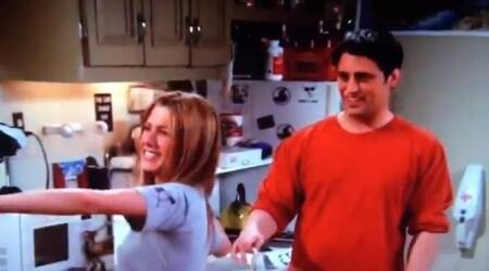 Video: A Twitter user noticed this F.R.I.E.N.D.S blooper that had gone unnoticed all this while