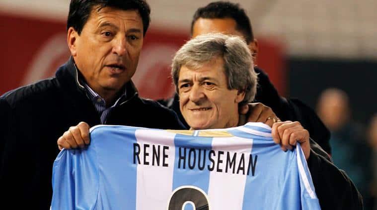 Former Soccer Player Rene Houseman Shows A Jersey Next His Former Team Mate Daniel Passarella Source Reuters