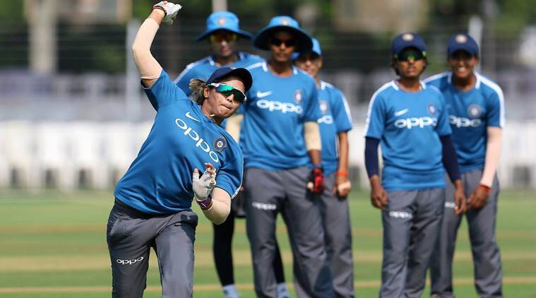 Australia beat Indian eves to wrap up ODI series