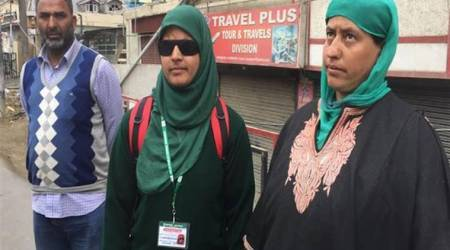 Two years after pellets left her blinded, Kashmir teenager Insha Mushtaq back in school