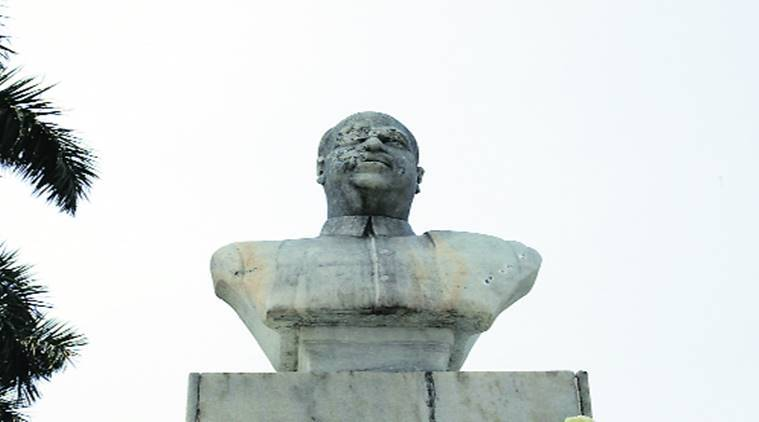Jan Sangh founder Syama Prasad Mookerjee's statue attacked in Kolkata