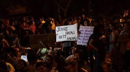 Cop touched my breast and pushed me: Journo covering JNU march