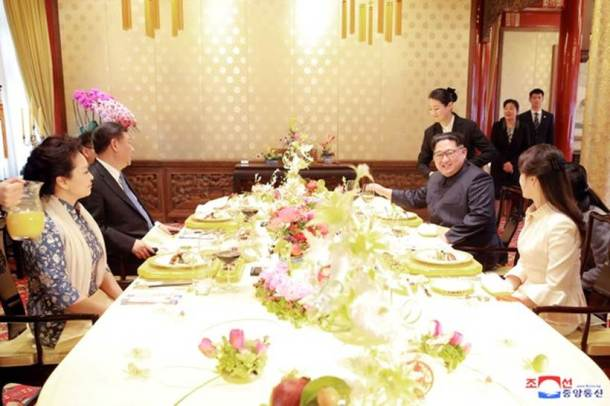 Kim Jong Un, Xi Jinping, North Korea, China, Kim meets Xi, Kim in China pictures, Kim Xi pictures, World news, Indian Express