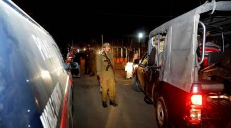 Taliban suicide attack near Nawaz Sharif's residence kills 9