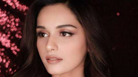 Manushi Chhillar gives us retro vibes in this sultry photo shoot