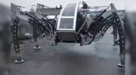 VIDEO: This 6-legged spider-like walking robot called 'Mantis' will creep you out
