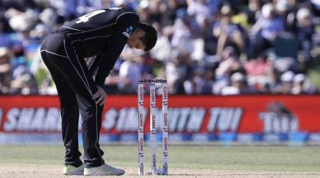 Mitchell Santner out for nine months due to knee surgery, to miss IPL 2018
