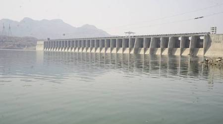Water crisis in Gujarat from today, Narmada shuts tap for farmers