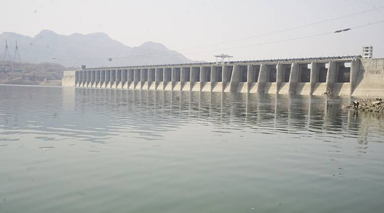 Narmada water, Gujarat, Narmada water stopped for farmers, Gujarat farmers, Narmada river for irrigation, Indian Express