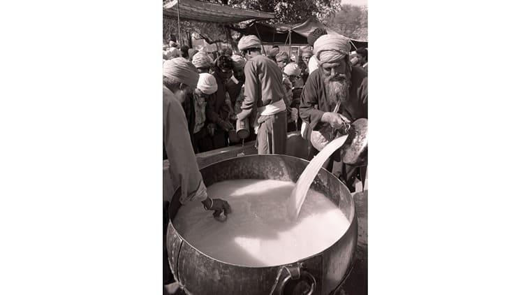holi, bhang preparation, bhang thandai