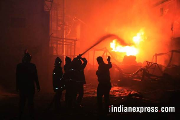 maharashtra fire photo, palghar fatory images, chemical factory pictures, tarapur factory fire pics, chemical factory fire latest pictures, indian express