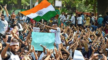SSC aspirants stage protest in Lutyens' Delhi,detained